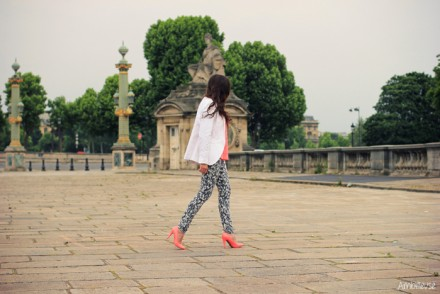 ambitieuse_blog_outfit_coral_neon_paris-25282-2529