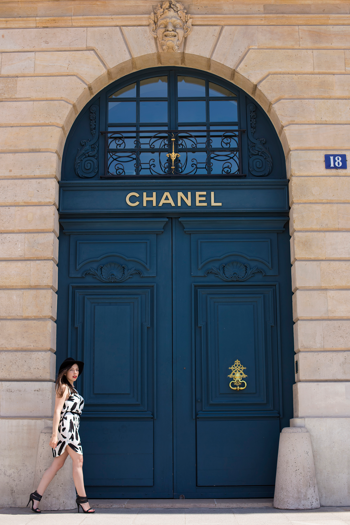 Ambitieuse Paris Fashion Blogger Ylenia Cuéllar