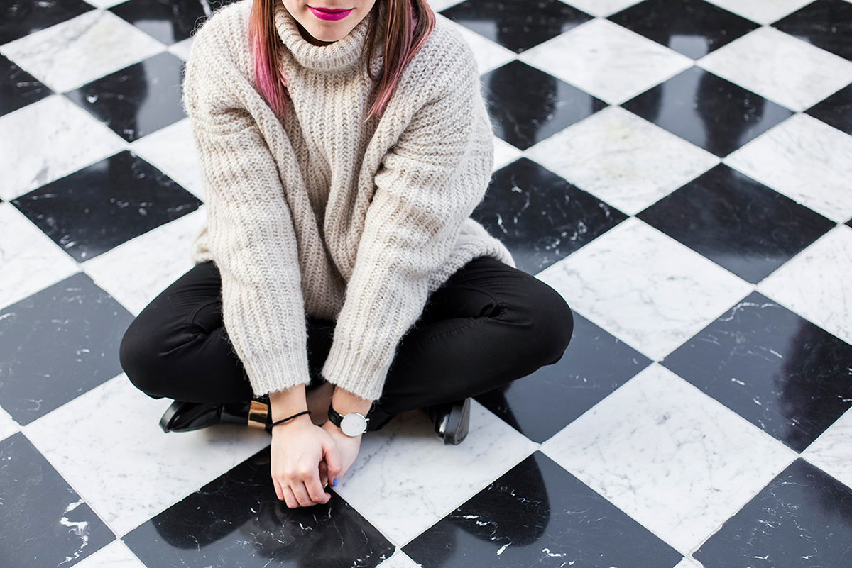 Outfit fashion tiled floor