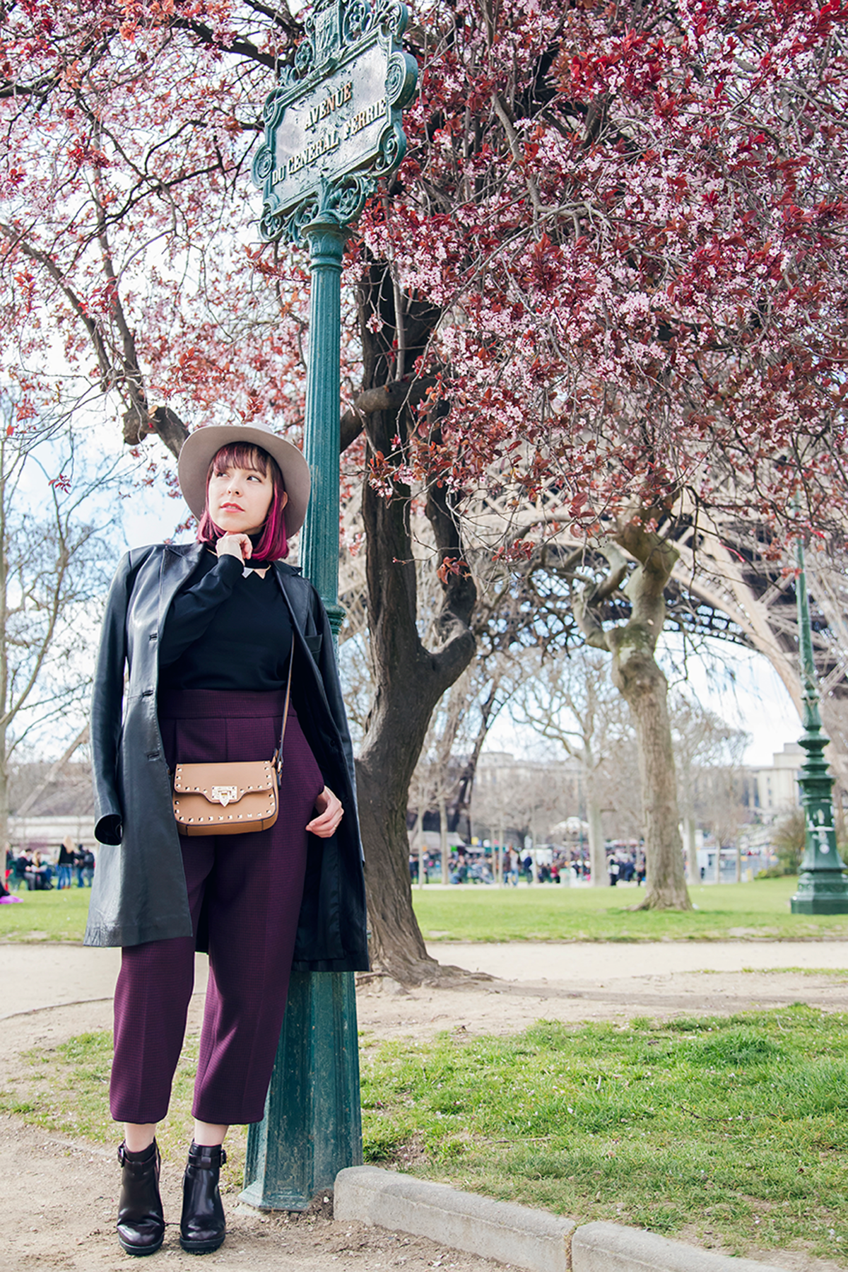 Ambitieuse-Paris-outfit-post-cherry-blossoms-pink-spring (10)