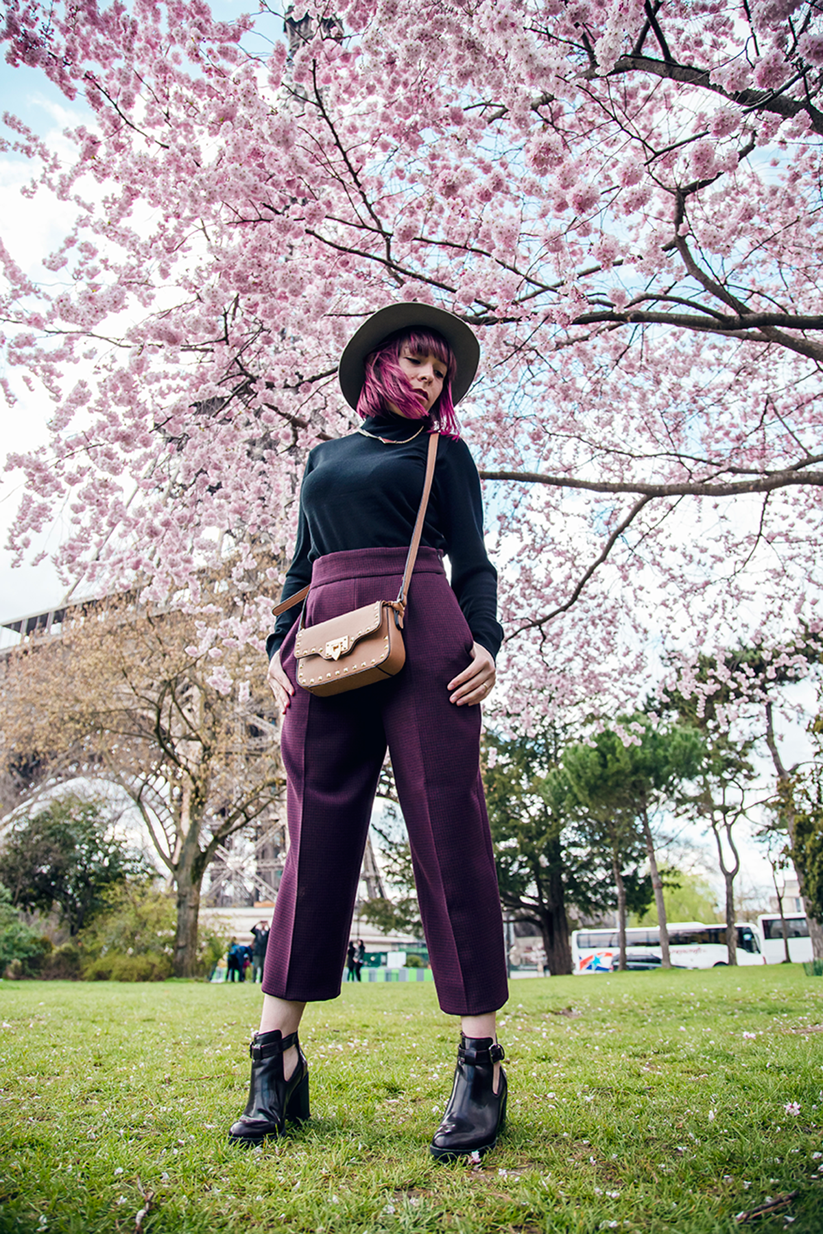 Ambitieuse-Paris-outfit-post-cherry-blossoms-pink-spring (9)